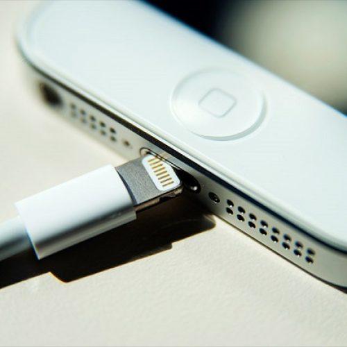 İphone'da Şarj Girişi Kapanıyor